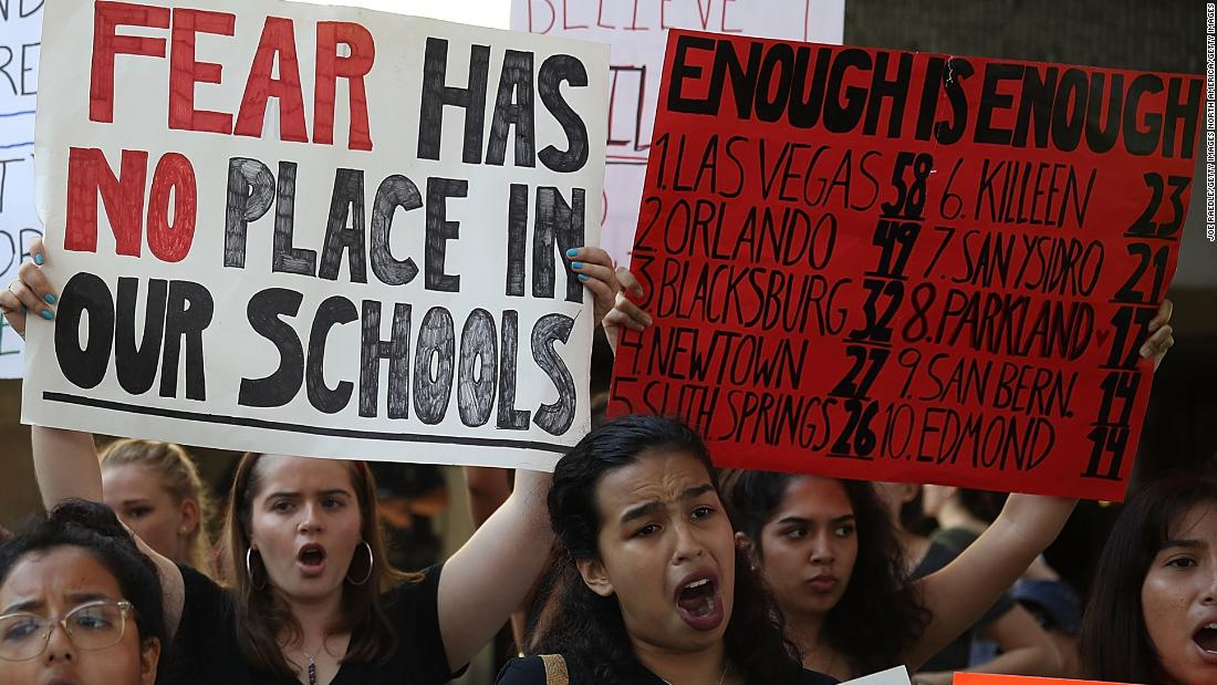 Marches are being planned around the US to put pressure on Congress to pass gun reform cnn.it/2EGxX1y