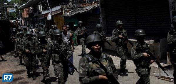 Forças Armadas apoiam polícias em operaç...