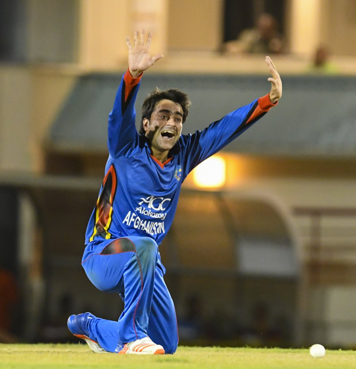 Afghanistan spin sensation @rashidkhan_19 has become the youngest man to top the @MRFWorldwide ICC Player Rankings, now the number one ODI bowler alongside @Jaspritbumrah93!   bit.ly/ODIRankings20F…