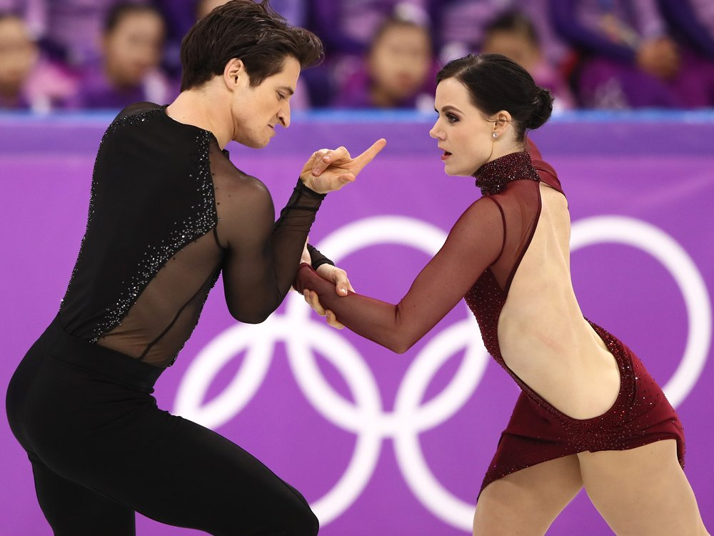 Tessa Virtue and Scott Moir win gold in Olympic ice dance https://t.co/h9FkWO7wlb