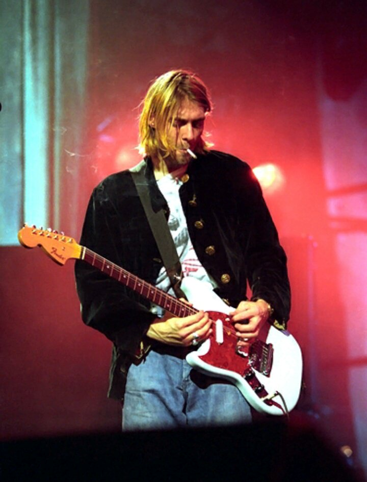 Happy birthday to the grunge icon Kurt Cobain! He would\ve turned 51 today. 1967-1994