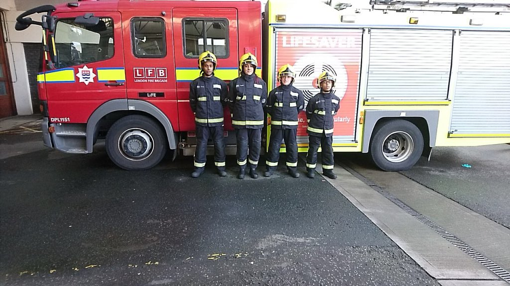 Our excellent #LFBLIFE youth programme alongside The Youth Action Alliance gave young people affected by #Grenfell an opportunity to build their confidence & hopefully inspired the next generation of firefighters at  Fir#Chelseae Station  © https://t.co/STyYlQSfCg@GrenfellMRU