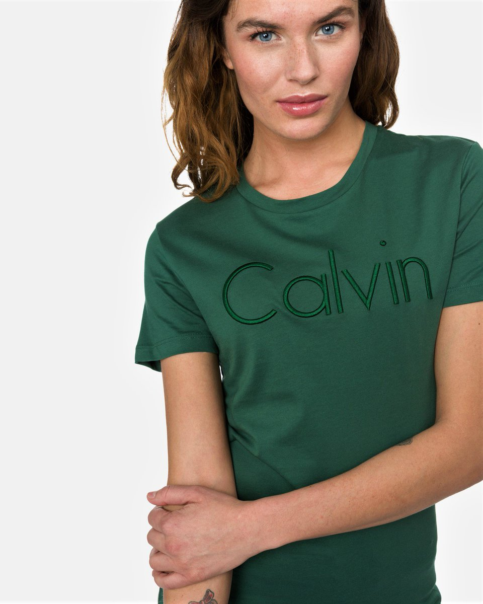 It is new, it is green and we absolutely love it 💚 What is it❓Calvin Klein new collection is here https://t.co/nMBkbu04tv https://t.co/HVrGTLs8B1