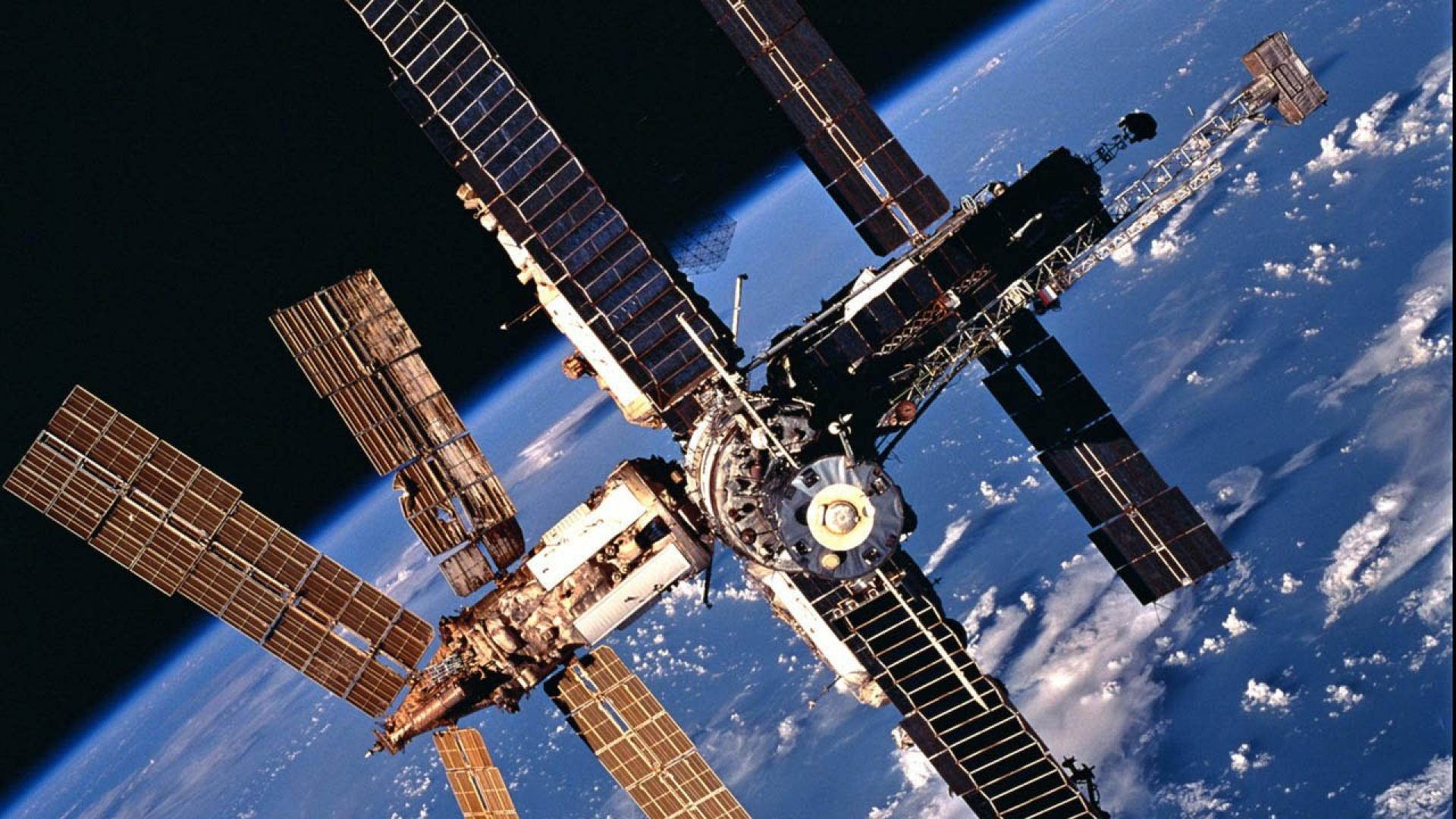 фото космической станции мир русских тяжеловозов коротковаты
