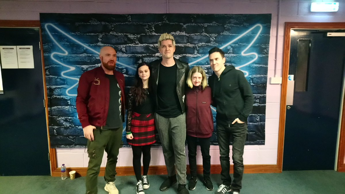 Cath olly murs mad catherinelward1 twitter meet and greet u guys first time beening at yr concert and it wont be the last enjoy the rest of yr tour and stay safe xxxxx thescriptpicitter m4hsunfo