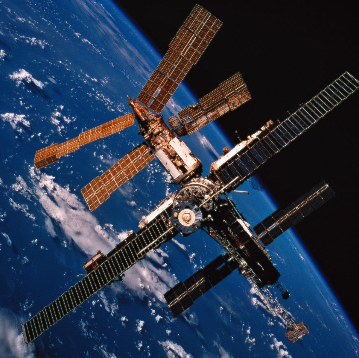 может быть фото россии из орбитальной станции чистое