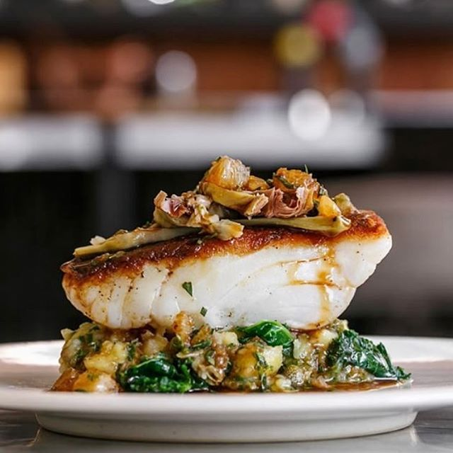 A #StreetKitchen staple over at #BSKDubai - roasted cod, crushed potatoes, artichoke and capers ! https://t.co/2RQIOF19fo