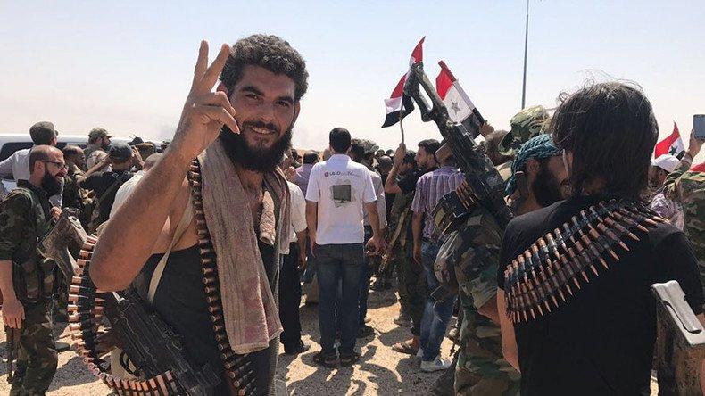 Le #YPGs  ont salué ce même jour l'arrivée des milices syriennes, affirmant q #Damasue  avait répondu à leur appelhttps://t.co/zCJmV6n43V ➡️