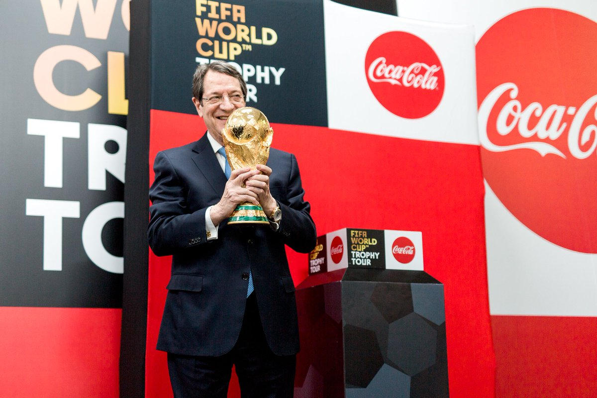Le Trophée est en plein tour du monde et a déjà visité plus de 25 pays ! Aujourd'hui, il fait son arrivée à Amman en Jordanie 🇯🇴 Et n'oubliez pas, le 21 mars il touchera le sol français #TrophyTour #WorldCup