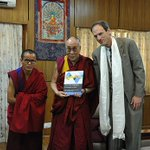 Book co-authored by an Emory biologist and a Tibetan monk (with forward by @DalaiLama) explores how insights from scientists, monastics enrich understanding of science https://t.co/odkxC1wOdV