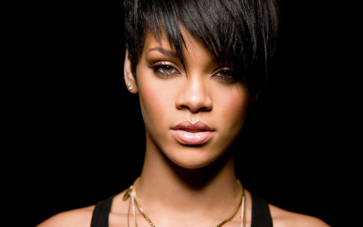 Rihanna cumplió 30 años, convertida en í...