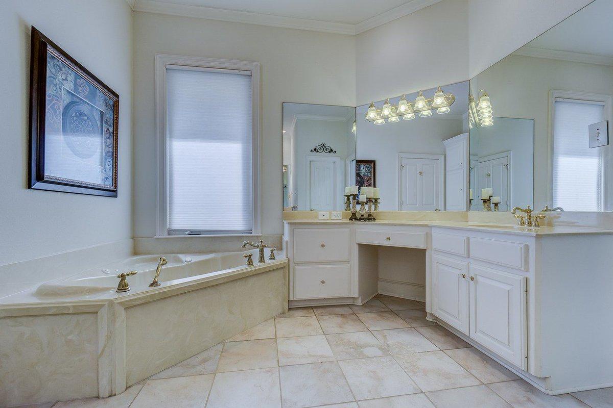 Strandconstruction Strand Twitter - Bathroom cabinets tucson