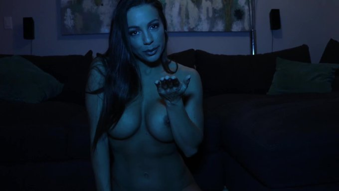 Just made a sale! JOI, Blowjob, and Fucking in VIP. Get yours here https://t.co/LjqrYI703f @manyvids