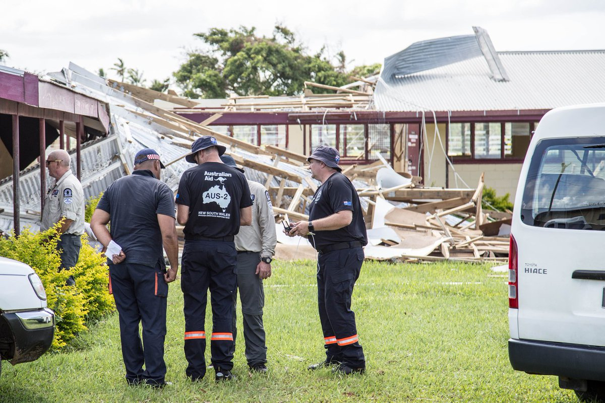 Pleased to see Aust and NZ Disaster Assistance Response Teams with Tonga Emergency and Fire Services to conduct damage assessments after #CycloneGita. Accurate information assists governments and donors identify needs and plan #AustralianAid. bit.ly/2EX6lZs