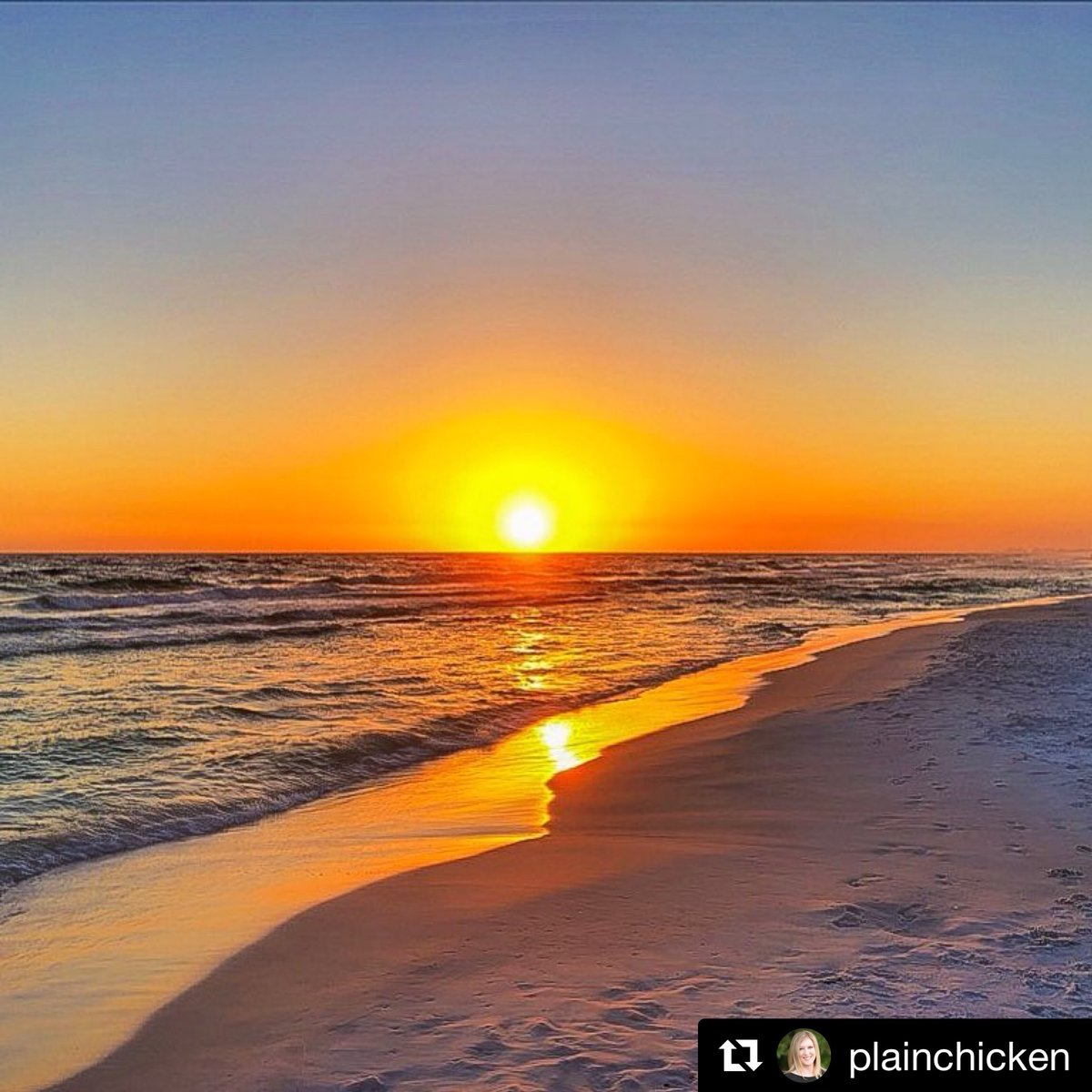Spectacular #sunset from @plainchicken ☀...