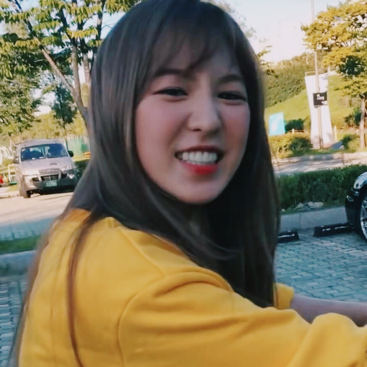 Aesthetic 뿅 On Twitter Wendy Red Velvet Aesthetic Rt Or Like If You Save Or Use Yellow Bright Wendy Redvelvet Aesthetic Happywendyday Https T Co Ng2ojdpkzu