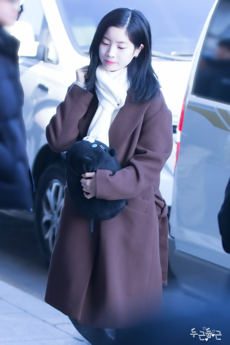 RT @minjh901: 180221 #GMP #김포공항  겨울 둡도리❤❤ #DAHYUN #ダヒョン #트와이스 #TWICE @JYPETWICE https://t.co/gKtvV55X5G