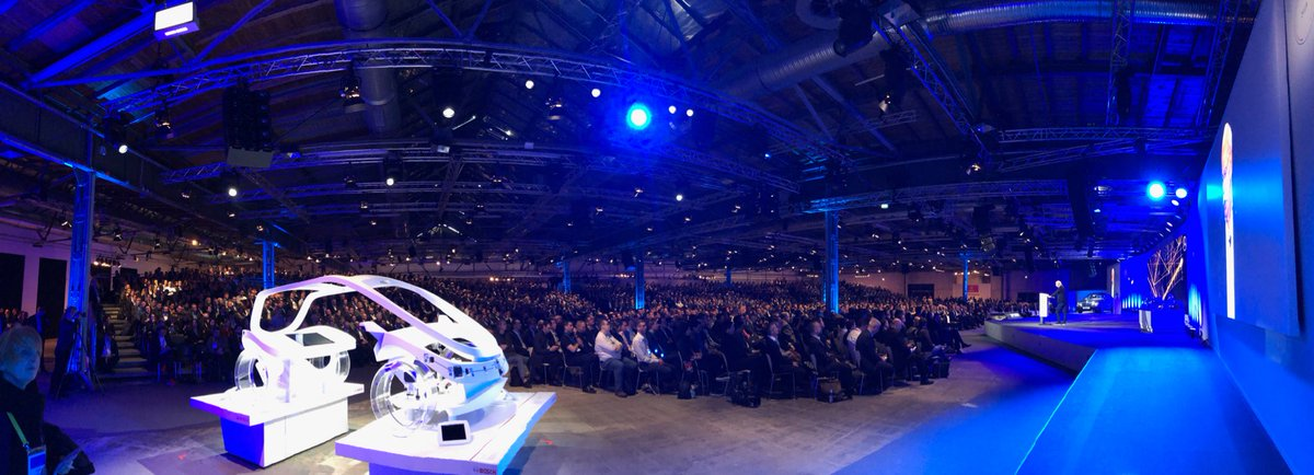 Full house at the #BCW18 keynote of @Dai...