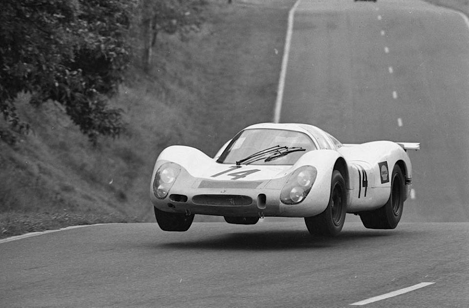 Porsche 908 Coupé nº14 Porsche System Vic Elford/Rudi Lins 1000 km París 1968, 2º