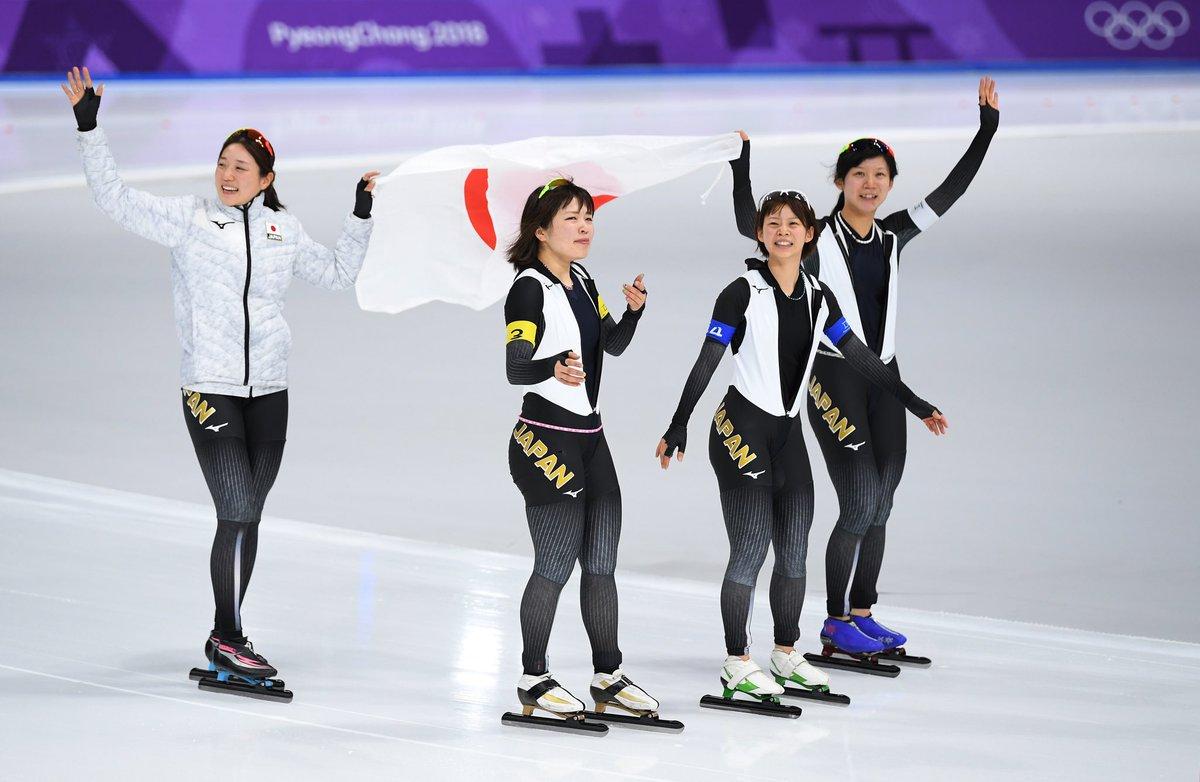 #スピードスケート 女子チームパシュート金メダルの日本代表 高木美帆選手、菊池彩花選手、高木菜那選手、佐藤綾乃選手おめでとうございます!日本選手団はこれで11個のメダル獲得となり、冬季オリンピック史上最多の獲得数  @Japan_Olympic @ayano_sato1210 @naaaana777  #PyeongChang2018