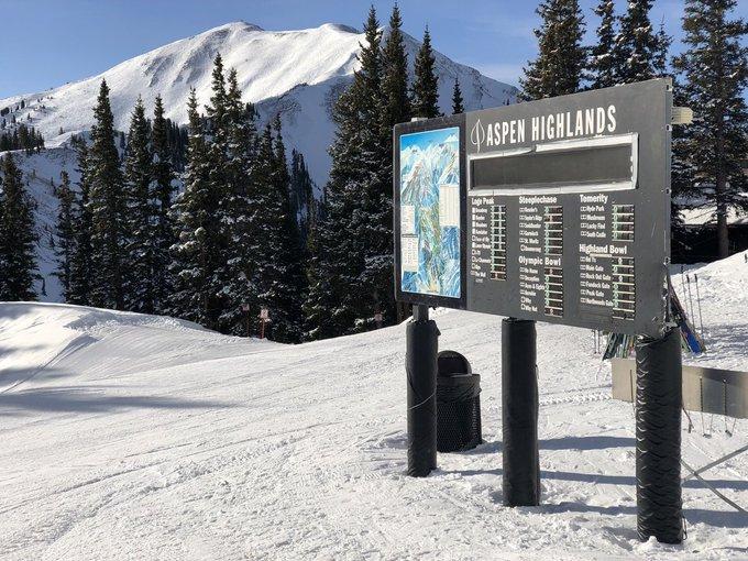 EEUU, Enero 2018. 5 Estados, 10 Estaciones  [MEGAREPORTAJE] con más de 130 fotos repletas de nieve y pinos negros ➡️https://t.co/AyctxiuBZy @pmeadowjlqr @squawalpineops @MammothMountain @sunvalley   @jhski @snowbasinresort   @Snowbird   @AltaSkiArea @Telluride @AspenSnowmass