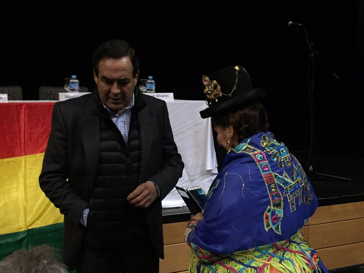 José Bono asiste como público al acto en...