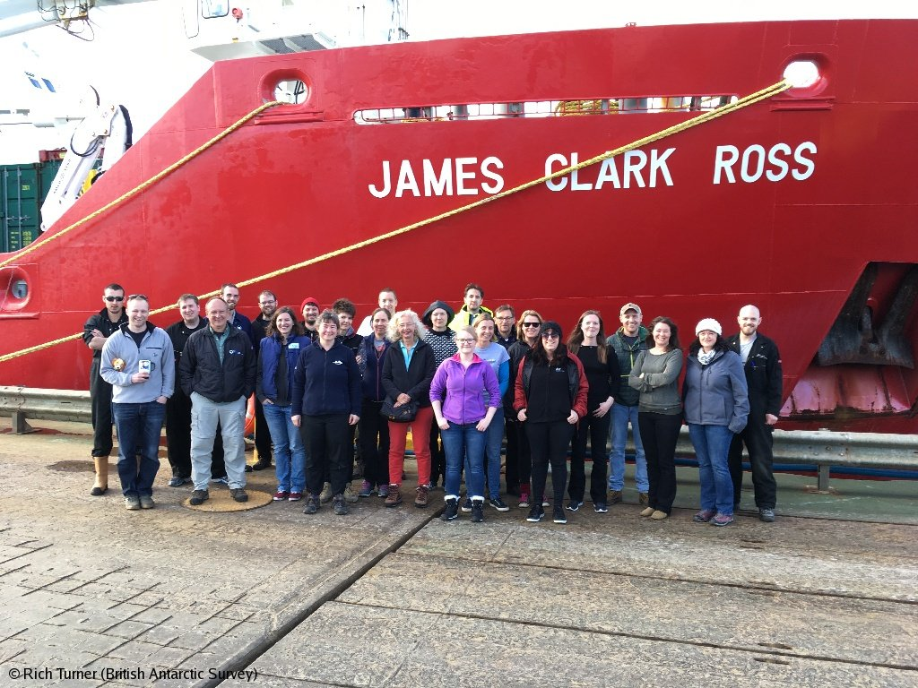 The #LarsenCBenthos team assembled in front of our #PolarShip the RRS James Clark Ross before departing from Stanley in the Falkland Islands #Antarctica #MarineBiology bas.ac.uk/media-post/fir… @dr_will_reid @adrg1 @melkmack