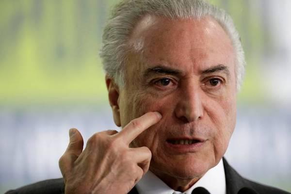 Blog do Sakamoto: Temer quer Exército com liberdade para invadir casas de pobres no Rio https://t.co/4jIQkNBlgS