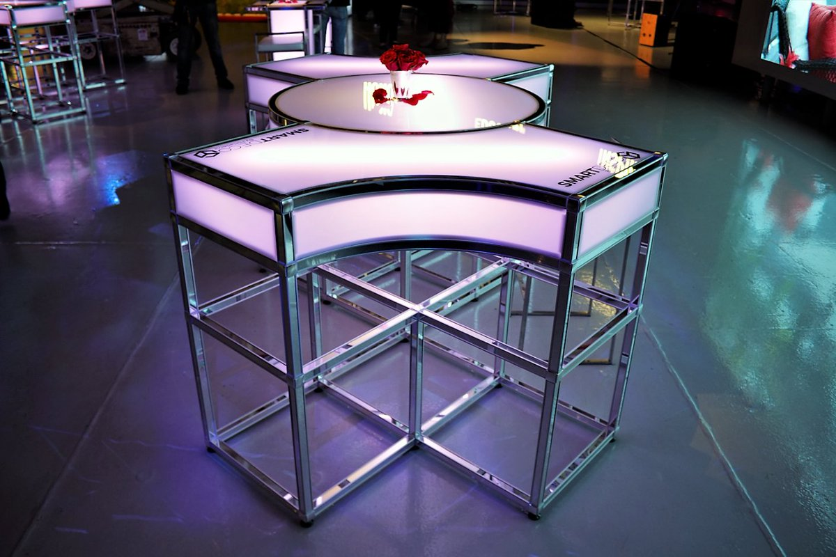 smart deco furniture. Our Bow-Tie Table, Glowing Beautifully In Pink Or White - No Two Events Are The Same, So Why Should Your Furniture Be? #portadecor #smartdeco #customtables Smart Deco