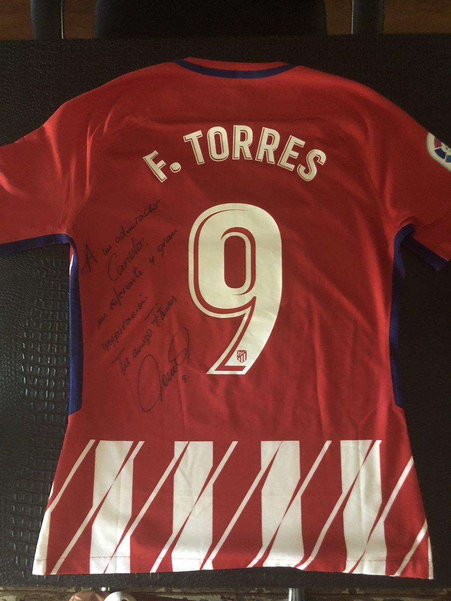 Muchas gracias @Torres  que gran detalle 👌🏻 te veo el 5 de mayo compa 👊🏻⚽️