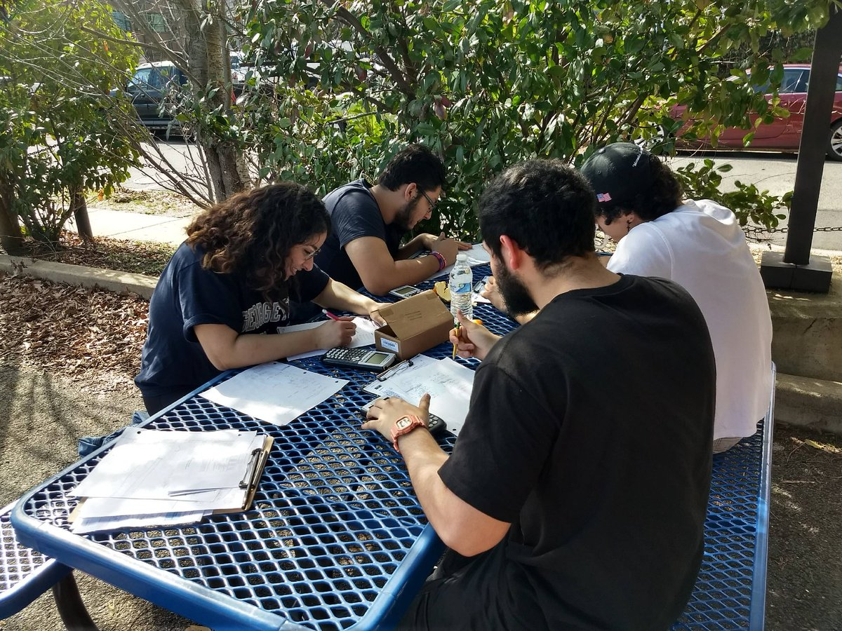 Testing outside in February. Woohoo beautiful weather <a target='_blank' href='http://twitter.com/APSVirginia'>@APSVirginia</a> <a target='_blank' href='https://t.co/w9SJSlTCUZ'>https://t.co/w9SJSlTCUZ</a>