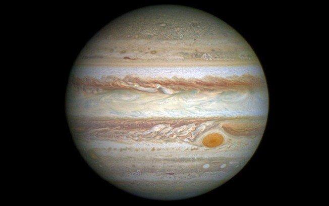 Maior que a Terra, 'mancha vermelha' de Júpiter irá 'morrer' em breve, diz Nasa → https://t.co/7FnsB4o4PG