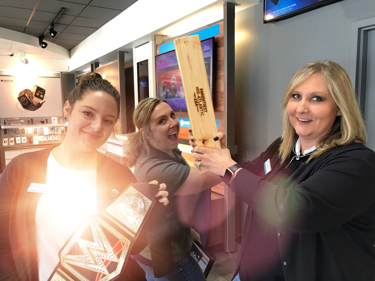 @A_Town817 @DaleB1 Steph joins the fun with a Premium and A-Town's 2x4 #dawgpound #ChampionsLeague #shinychampionshipbelt