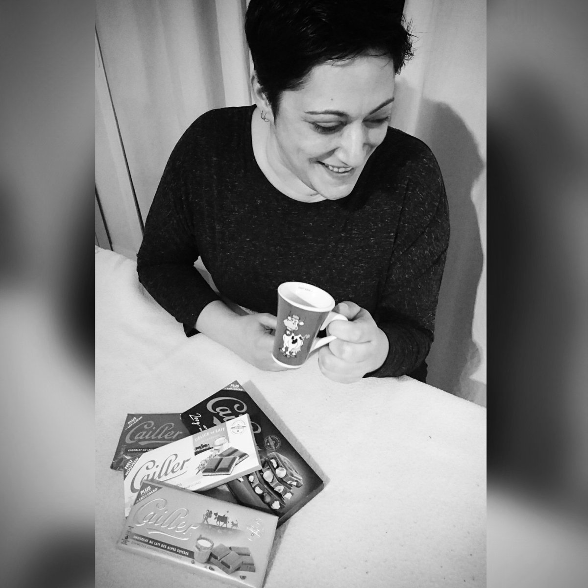 Simple pleasure from Switzerland 🍫🇨🇭....  Café: @nespresso  Chocolate: @cailler_suisse  #pleasure #Switzerland #nespresso #cailler #chocolate #havinggoodtimes #stolenpic #PrivateJoke