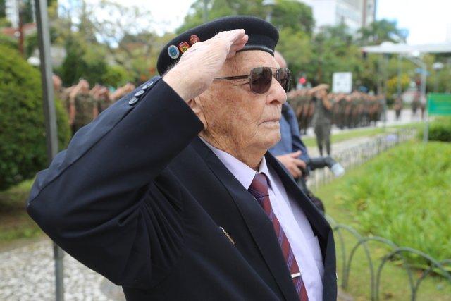 Brasileiros que foram a Segunda Guerra Mundial revivem os 73 anos de história no Museu do Expedicionário. https://t.co/Fse7nl4BM3