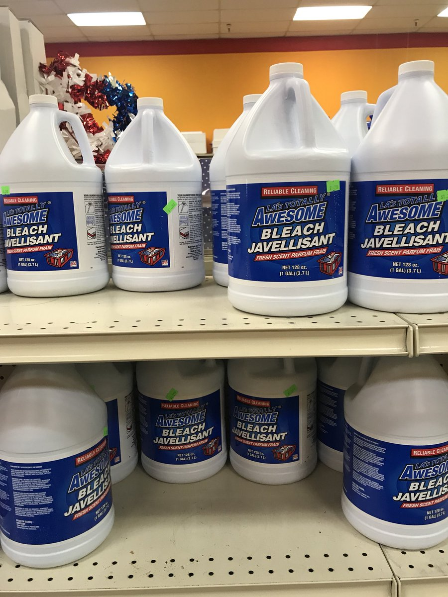At the store stocking up for the KSI vs. Logan Paul boxing match party. Need anything?