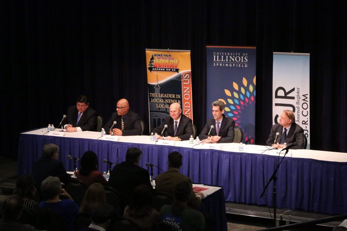 The Illinois Democratic Gubernatorial Debate just concluded at #UISedu. Here are some photo highlights from tonight's event in the Studio Theatre. #twill https://t.co/R8EYOk8T7k