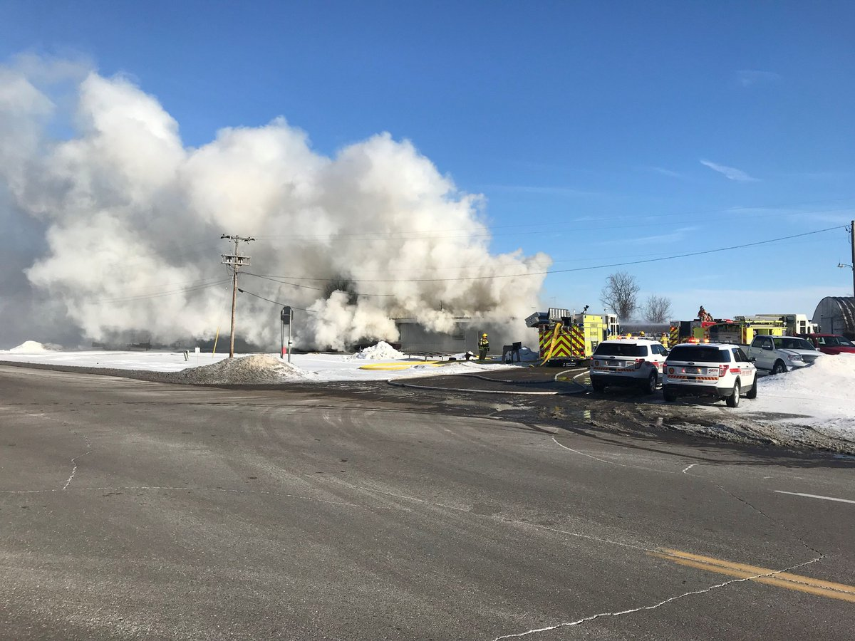 Hwy. 3 in Rosemount has reopened hours after big fire breaks out along the road. https://t.co/1xuFEKZA3l