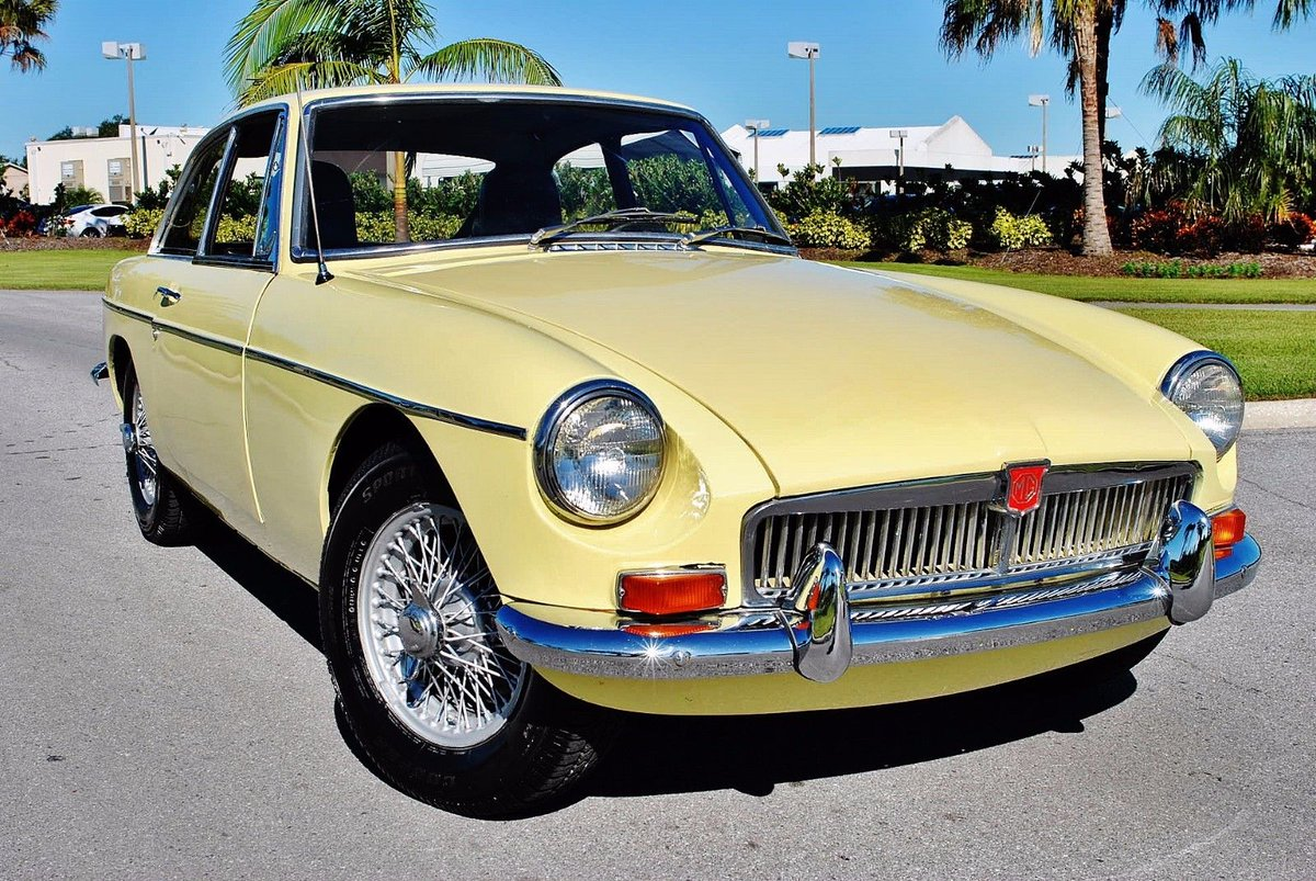 US Classic Autos on Twitter: \
