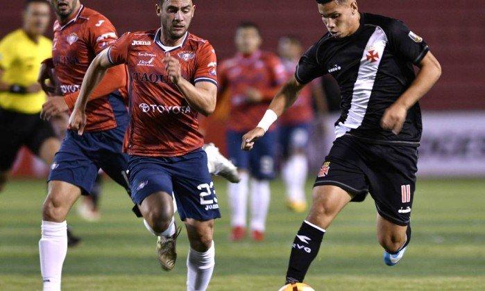 Haja coração! Martín Silva é o herói da classificação do Vasco contra o Jorge Wilstermann, nos pênaltis. https://t.co/uCXtokmOJW