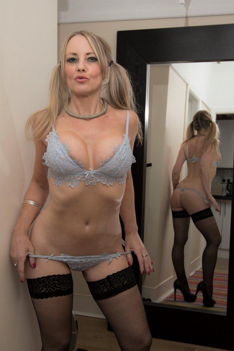 Denise richards nude images