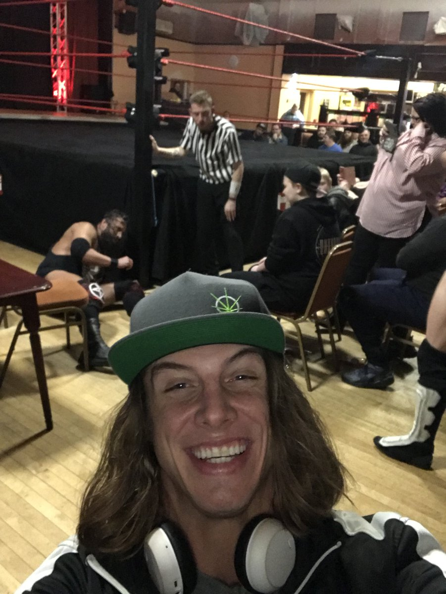 Watching and enjoying the main event at hope wrestling tonight, come see me wrestle the rest of the weekend around the Uk 🇬🇧 #hopewrestling #bro #kingofbros #stallion #splx