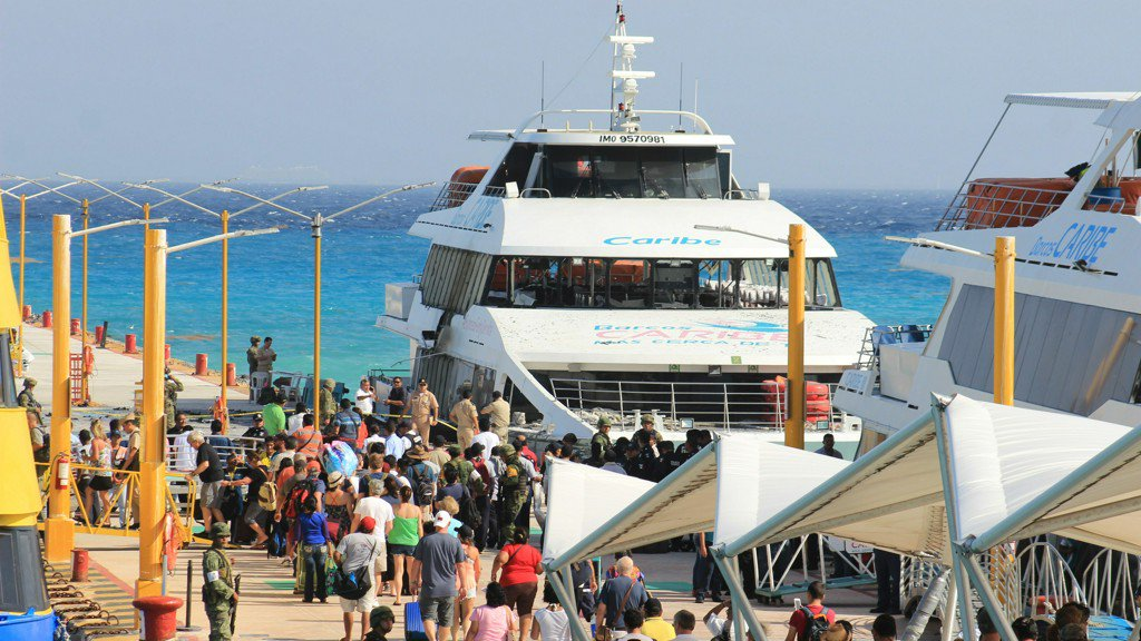 Ferry explosion injures 25 in Playa del...