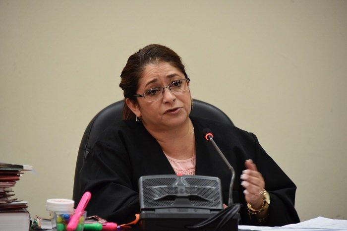 CICIG: decisión de jueza Claudette Domínguez contraviene la Constitución. bit.ly/2EHvrbu