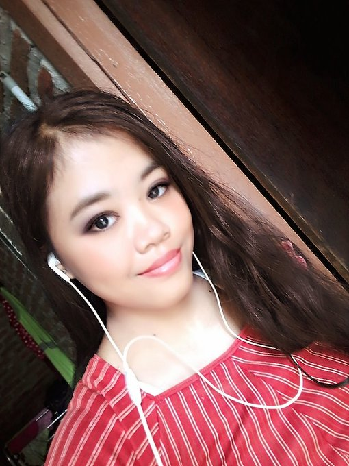You say happy birthday riska my for please  Me fans you from indonesia
