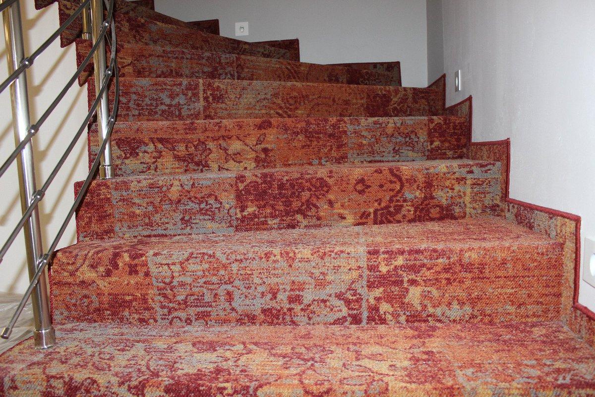 покрытие линолеумом лестницы фото непрекращающейся