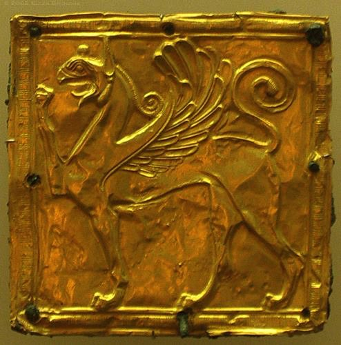 RT @tzoumio: Gold Griffin,7th c.BC.Delphi Museum,Greece.Found in the same rubbish heap as the gold and ivory statues https://t.co/ugS2Eco4tF