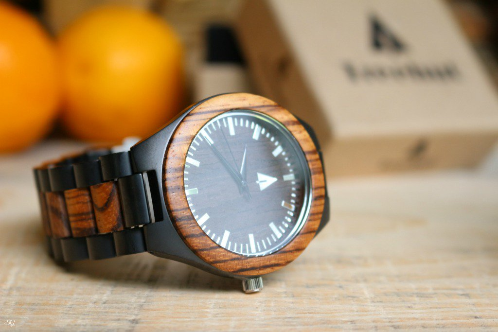 ... or just a nice gift for a #birthday or special occasion? http://scrappygeek.com/best-groomsmen-gifts/ … < These wood #watches are perfect!