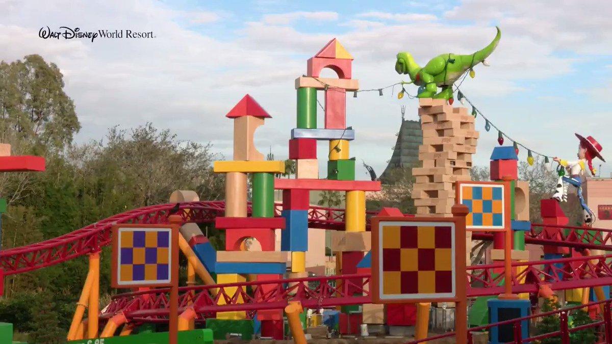 Disney Parks's photo on #DisneySMMC