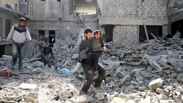 #Regime strikes in #Syria 's E. #Ghouta...